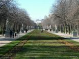 Along the pathway you can see some of Madrid's greatest
